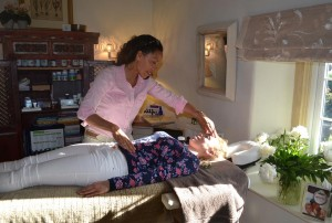 Pauline Part completed her training with Dawn from Essence and now practices Kinesiology in her own clinic.